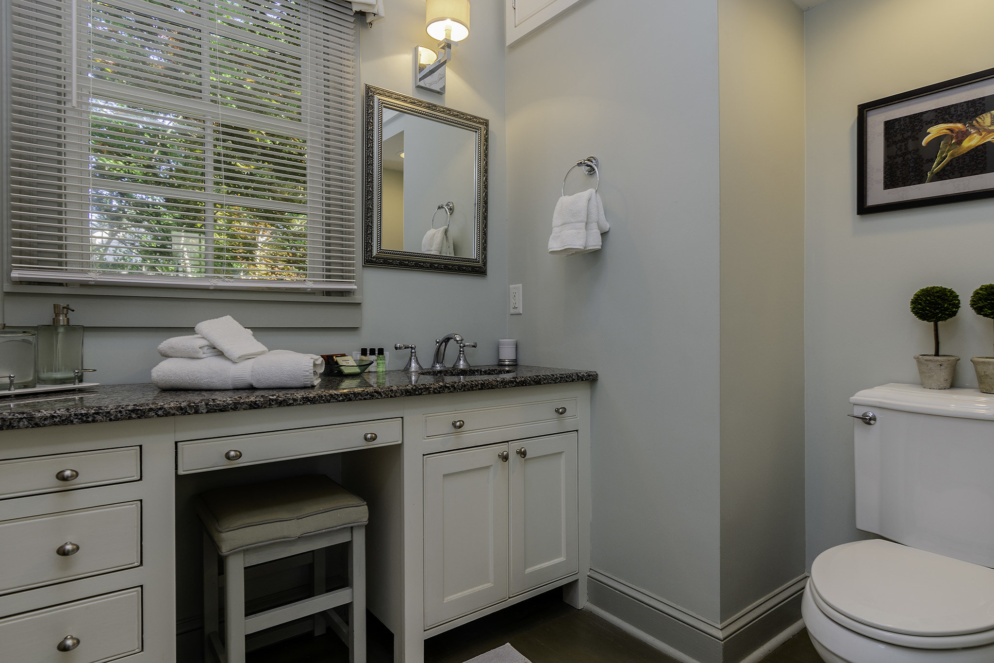 Marcias Cottage - Master Bath